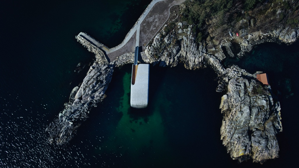under-snohetta-underwater-restaurant-architecture-public-leisure-baly-lindesnes-norway_dezeen_2364_col_9.jpg