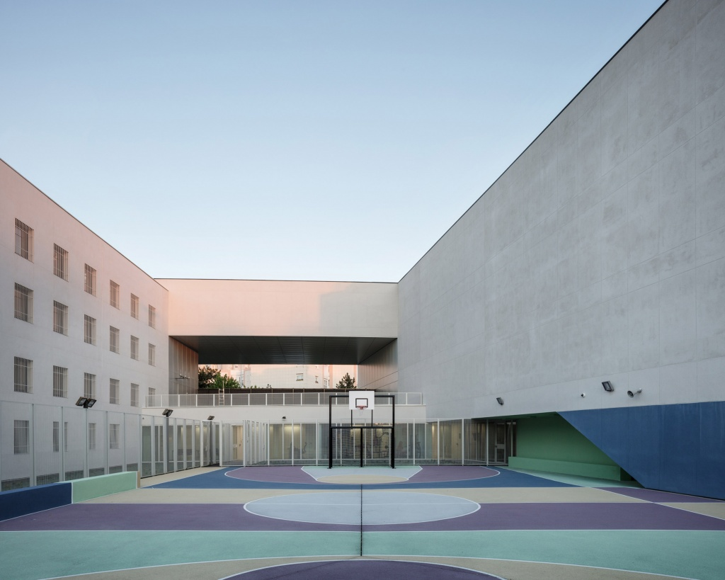 minimum-security-prison-local-architecture-network-lan-nanterre-france-penitentiary-services-integration-probation-headquarters-offices_dezeen_2364_col_2.jpg