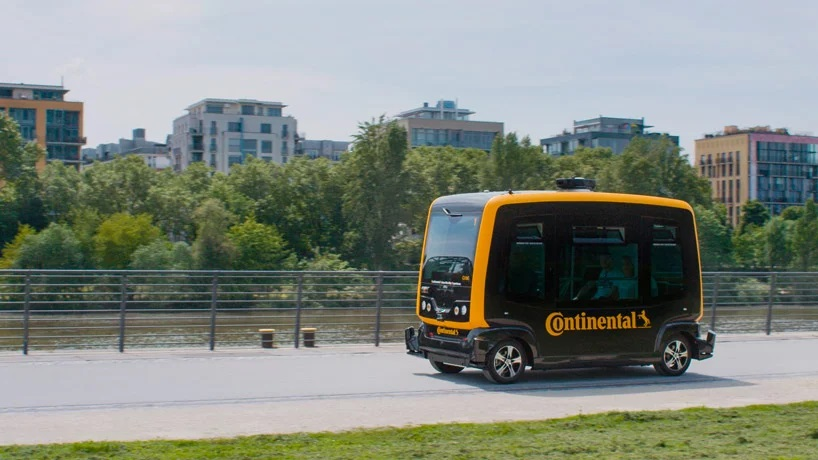 continental-anybotics-robot-dogs-delivery-designboom-1.jpg